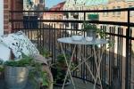 Balcone piccolo in perfetto stile cittadino, da bye9design.com