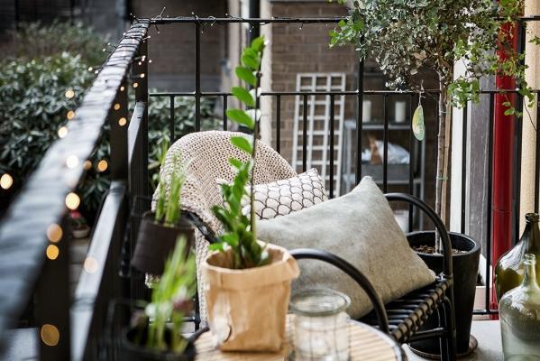 Arredi Per Piccoli Balconi : Idee per arredare un balcone piccolo con orginalità