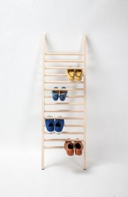 Scarpiera a scaletta dal design semplice, da Emko