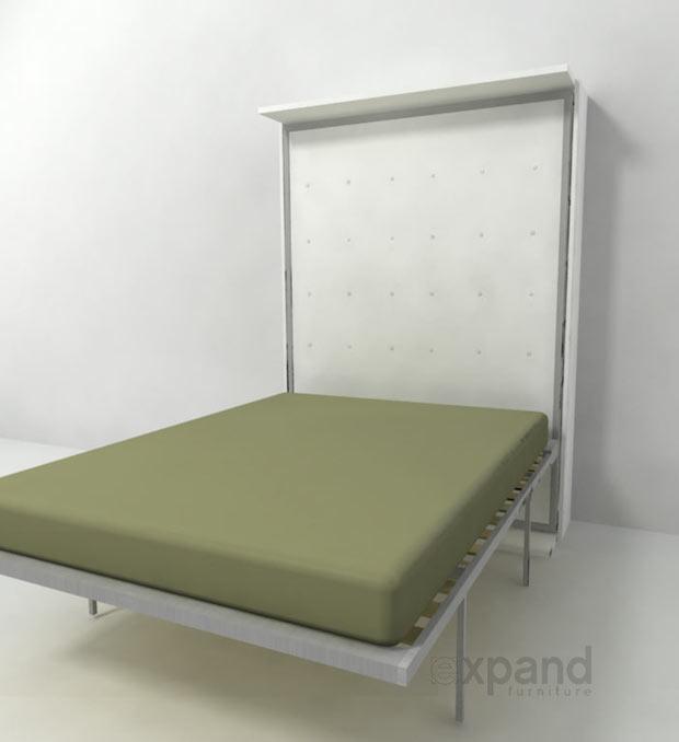 Compatto: letto integrato alla libreria girevole, da expand furniture