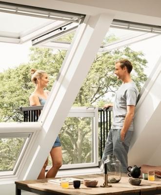 Come portare luce naturale in casa for Velux finestre balcone