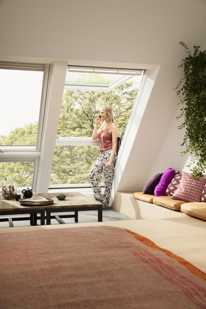Finestra balcone luce naturale Velux