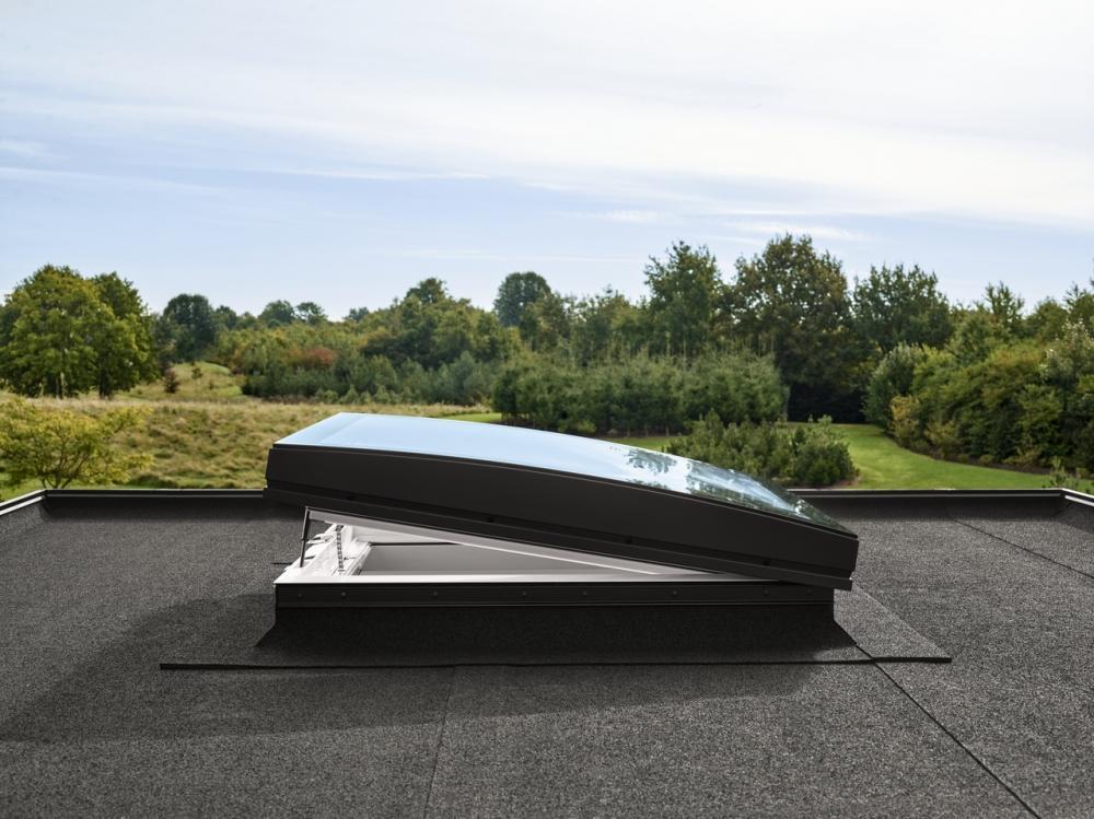 Finestra vetro curvo tetti piani Velux