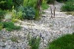 Giardino con sassi