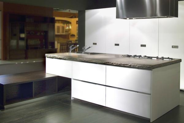 Piano cucina in marmo by Marmo Arredo
