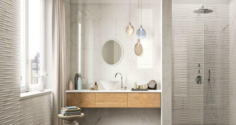 https://media.lavorincasa.it/post/17/16874/gallery/14982/bagno-marmo-modello-elegance-by-marazzi.jpg