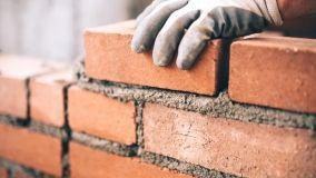 Muri di recinzione: quando è necessario il permesso di costruire