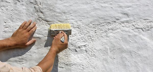 La tinteggiatura a calce, by La Banca della Calce