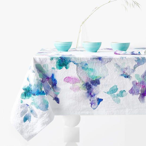 Tovaglia floreale jaquard effetto acquerello, da Zara Home