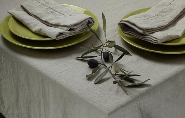 Tovaglia in lino stropicciato, da Aletta Smit Homeware