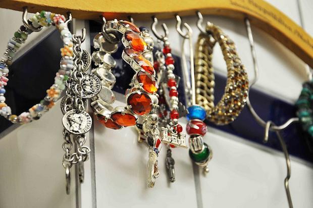 Grucce per appendere i gioielli, da household6diva.com