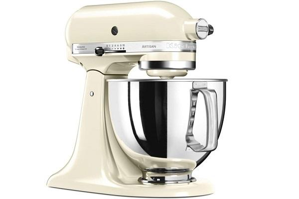 Planetaria Artisan di KitchenAid color crema