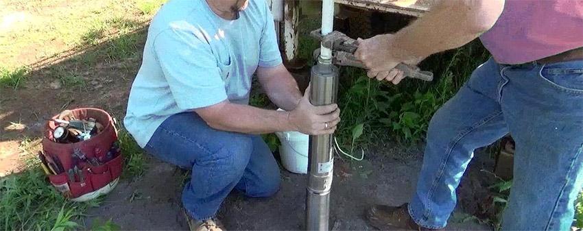 Inserimento elettropompa sommersa per pozzo artesiano