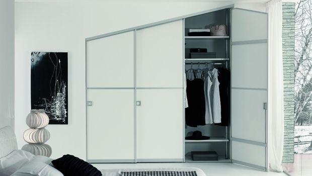 Come realizzare una cabina armadio su misura in mansarda
