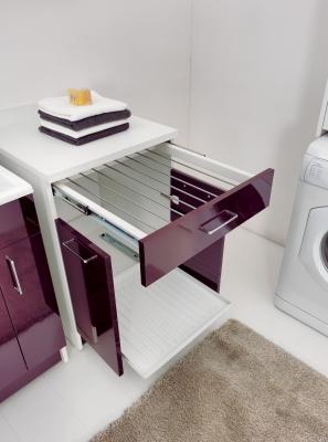 Mobile lavanderia con stendino estraibile, da Colavene