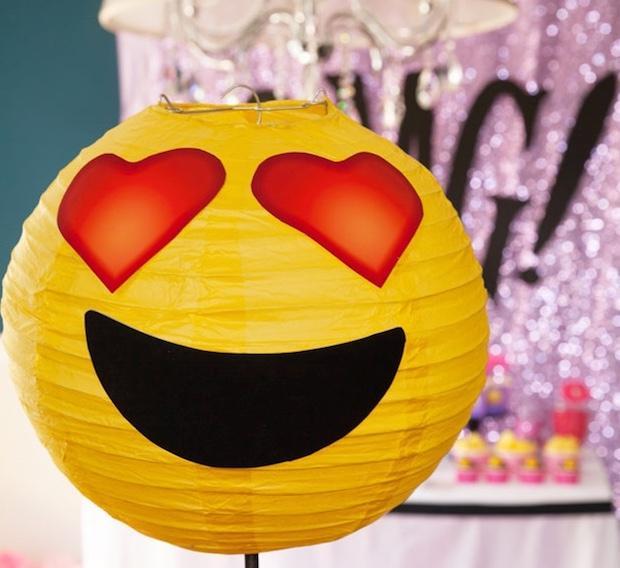 Lanterne emoji fai da te, da frogprincepaperie.com