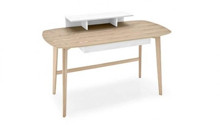 Piccola scrivania Match di Calligaris