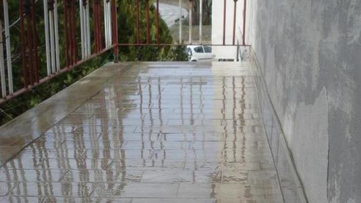 Applicazione di impermeabilizzante liquido DiaSen