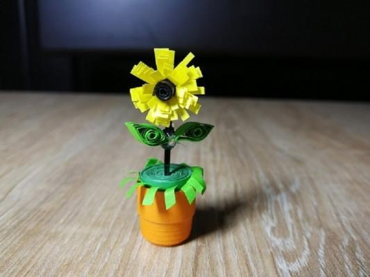 Possiamo sbizzarrirci in tanti modi per creare fiori di carta