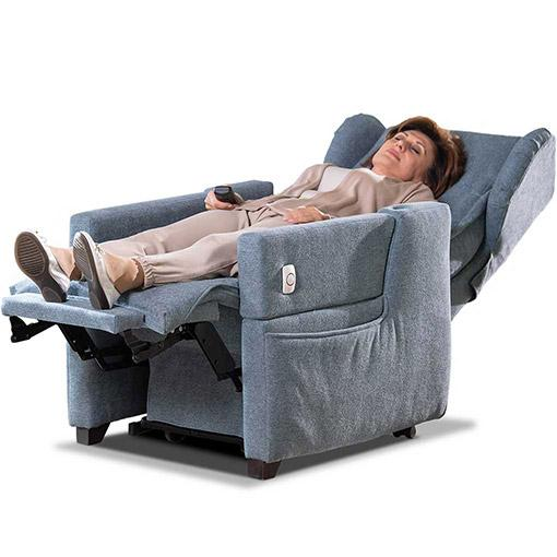 Poltrona motorizzata per anziani e disabili di Zucchetti: posizione letto