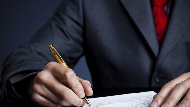 Comunione legale tra coniugi e preliminare di vendita senza una firma