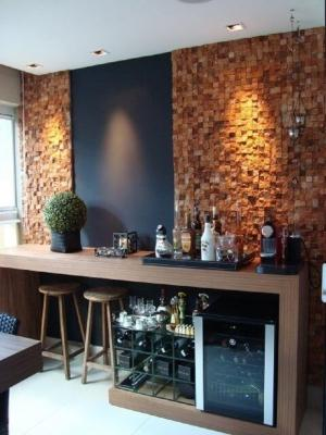 Bancone bar in legno, da vivadecora.com.br