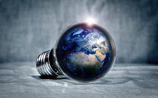 Risparmiare energia elettrica per tutelare anche l'ambiente