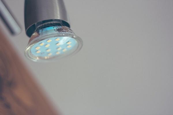 Le lampadine a LED fanno risparmiare l'80% di energia elettrica
