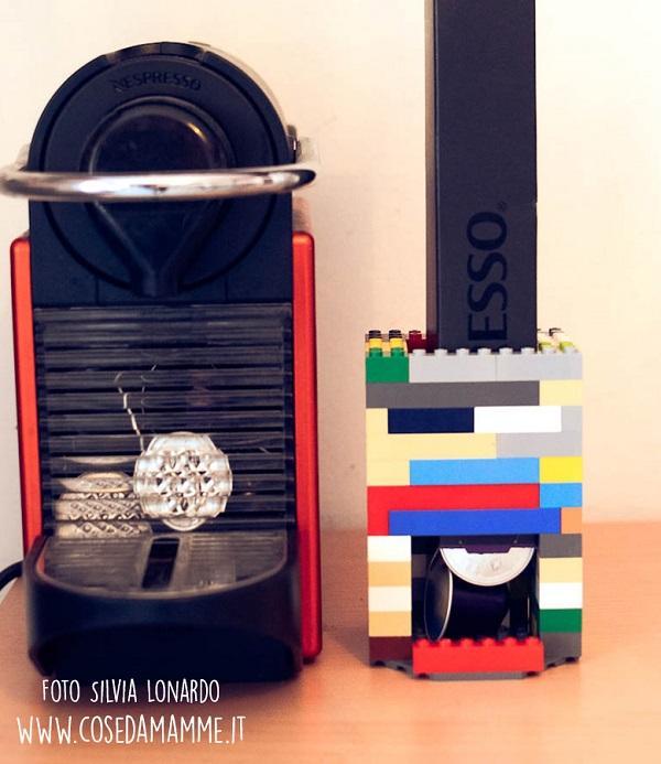 Un porta capsule fai da te con i Lego, da cosedamamme.it