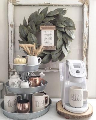 Allestire un angolo caffè in piccoli spazi, da pistoncars.com