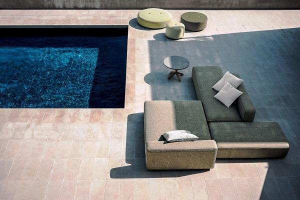 Salotto bordo piscina, collezione Dandy di Roda