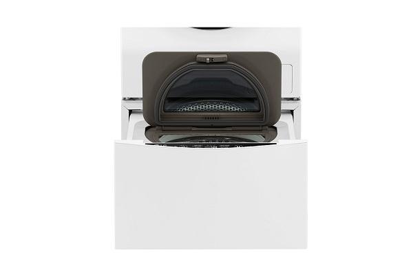 Mini lavatrice TwinWash di Lg aperta