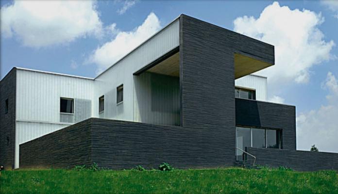 Villa residenziale con facciata in U-glass, by Com s.r.l.
