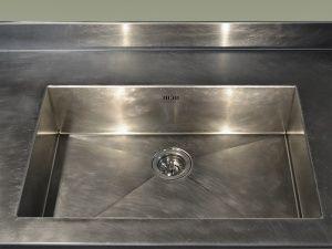 Inox O.R. realizza elettrodomestici e rivestimenti finitura vintage