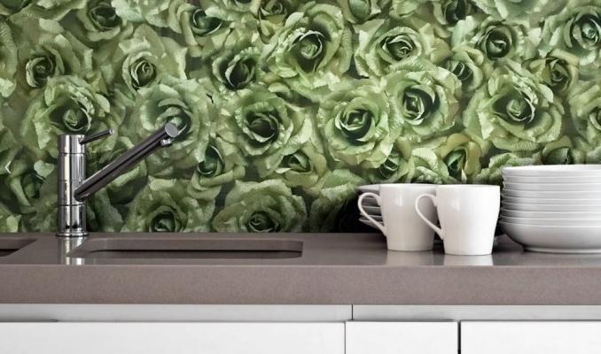 Carta da parati con decoro rose per la cucina: Art Kitchen di Instabilelab