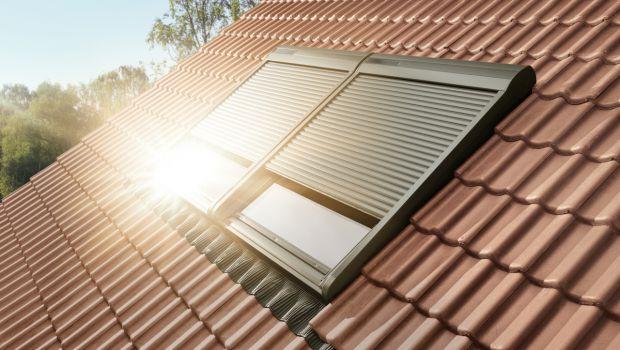 Tapparelle solari per oscurare gli infissi per tetti