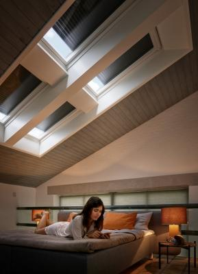Tapparelle solari per oscuramento mansarda VELUX