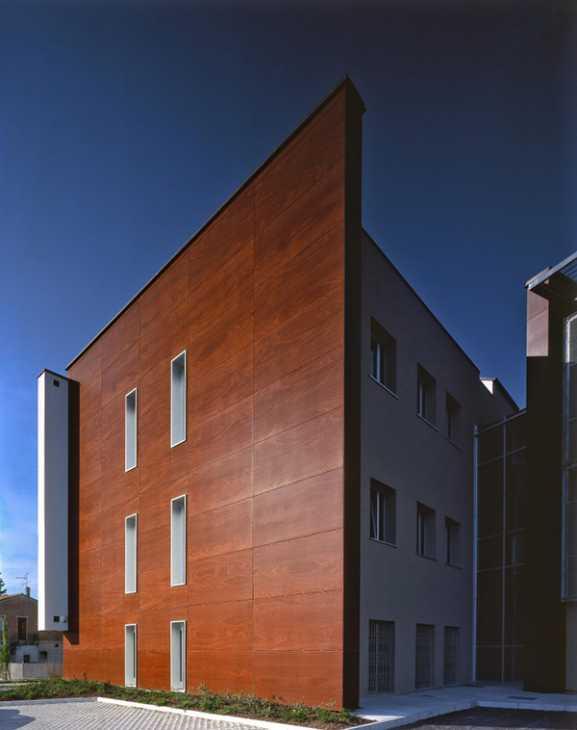 Facciata ventilata legno bachelizzato - Kalikos International