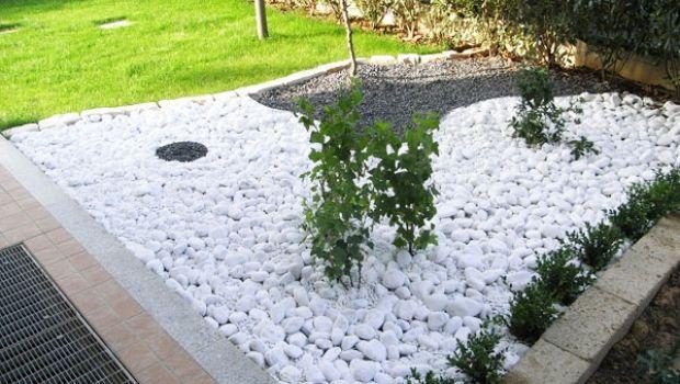 Sassi da giardino decorare l 39 esterno con ciottoli e graniglia for Aiuole giardino con sassi