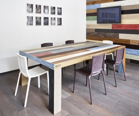 Tavolo con assi parquet di recupero Fiemme3000