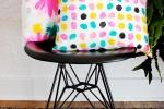 Cuscini dipinti a mano, da blog.etsy.com