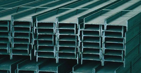 Profili in acciaio tipo Ipe, ottimi per gli architravi in murature non portanti