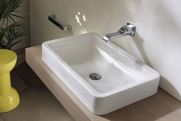 Lavabo salvaspazio Connect Space di Ideal Standard