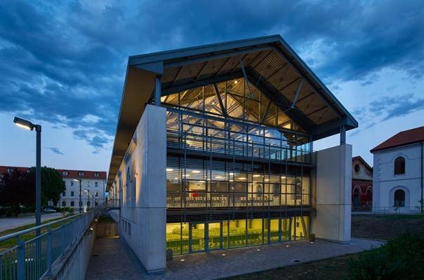 Campus universitario di Novara con struttura in acciaio, by Fondazione Promozione Acciaio