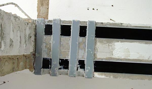 Architrave in c.a. consolidato con fibre di carbonio ed elementi di acciaio, by Betontaglio