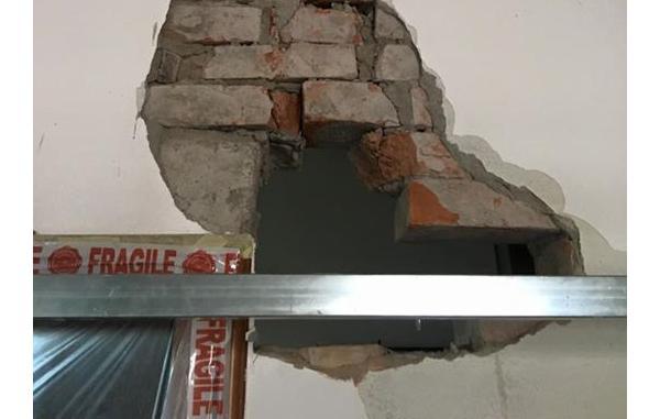 Miglioramento delle connessioni delle spallette di un architrave, by Geota Costruzioni