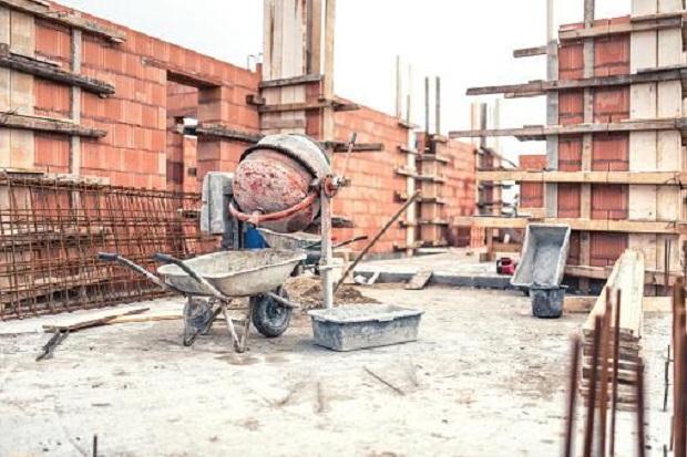 Costruire senza autorizzazioni amministrative