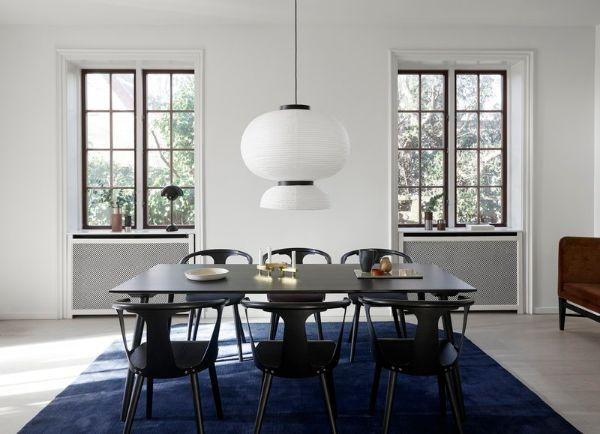 Nordic style arredamento: sedie e tavolo In between di Finnishdesignshop
