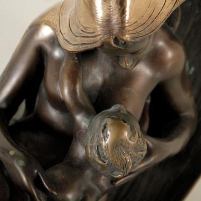 Scultura maternità di Angelo Basso casa vintage di Di Mano in mano