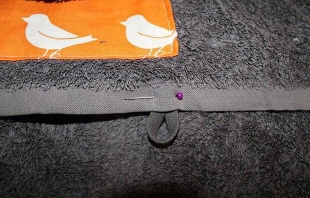 Gancetto per chiudere l'asciugamano, da diy-enthusiasts.com